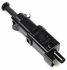 Contacteur feux stop V8