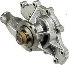 Pompe à eau V8